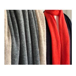 Schal aus Lammwolle